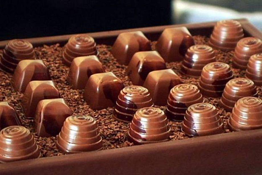 Шоколадные конфеты гифка